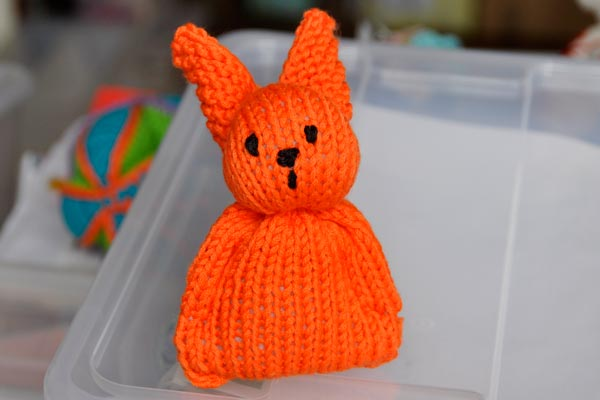 How to Knit * Super Easy Easter Bunny